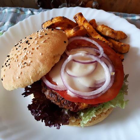 Tex-Mex Bean-Burger and Sweet Potato Fries - Rezept - Bild Nr. 7735