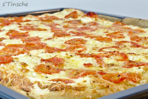 Dinkel-Tomaten-Drei-Käse-Pizza - Rezept - Bild Nr. 7759