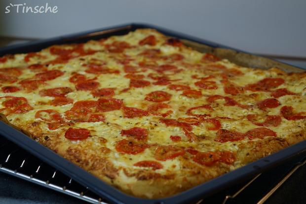 Dinkel-Tomaten-Drei-Käse-Pizza - Rezept - Bild Nr. 7761