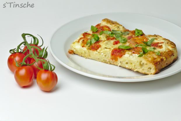 Dinkel-Tomaten-Drei-Käse-Pizza - Rezept - Bild Nr. 7767