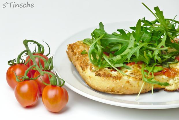 Dinkel-Tomaten-Drei-Käse-Pizza - Rezept - Bild Nr. 7769
