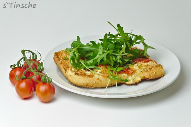 Dinkel-Tomaten-Drei-Käse-Pizza - Rezept - Bild Nr. 7770