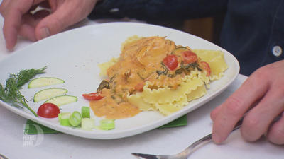 Pasta al Salmone mit einer fruchtig frischen Weißweinsahnesoße - Rezept - Bild Nr. 2