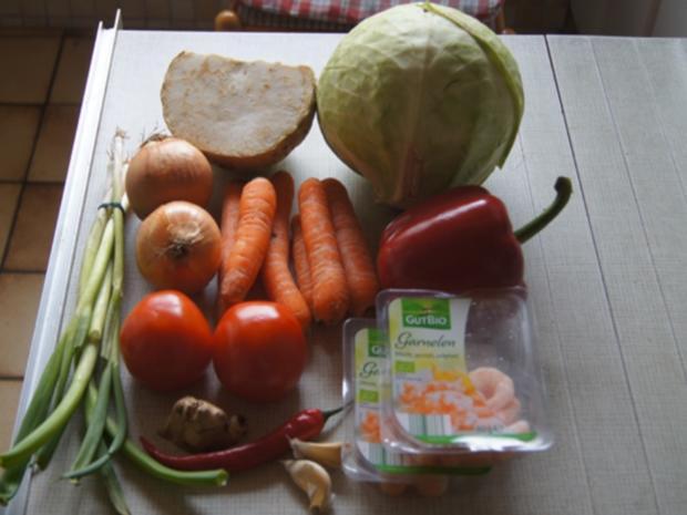 Weißkohl-Gemüse-Suppe mit Garnelen - Rezept - Bild Nr. 3