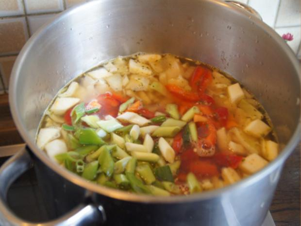 Weißkohl-Gemüse-Suppe mit Garnelen - Rezept - Bild Nr. 7