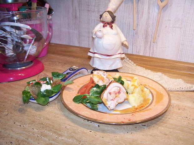 Putenschnitzel mediterran angehaucht mit kleinen Beilagen Salat - Rezept - Bild Nr. 7750