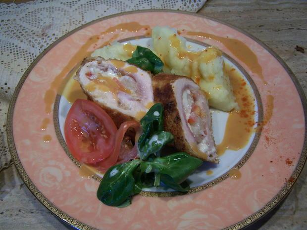 Putenschnitzel mediterran angehaucht mit kleinen Beilagen Salat - Rezept - Bild Nr. 7751