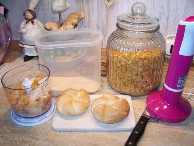 Putenschnitzel mediterran angehaucht mit kleinen Beilagen Salat - Rezept - Bild Nr. 7752