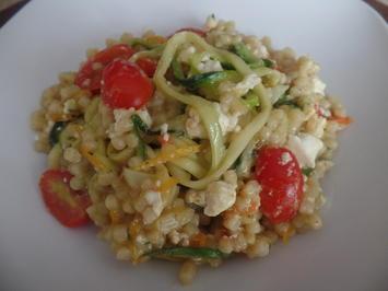 Fregola-Sarda -Pasta-Risotto mit Zucchininudeln ,Tomaten und Fetakäse - Rezept - Bild Nr. 7754