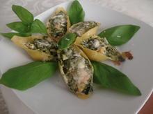 Muschelnudeln mit Spinat-Lachs -Ziegenrahm -Füllung - Rezept - Bild Nr. 7756