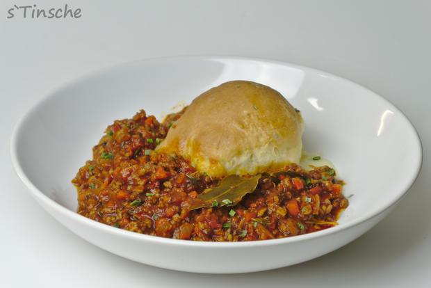 Hähnchen-Bolognese mit Mozzarella-Dampfnudeln - Rezept - Bild Nr. 7774
