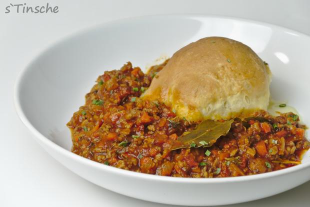 Hähnchen-Bolognese mit Mozzarella-Dampfnudeln - Rezept - Bild Nr. 7775