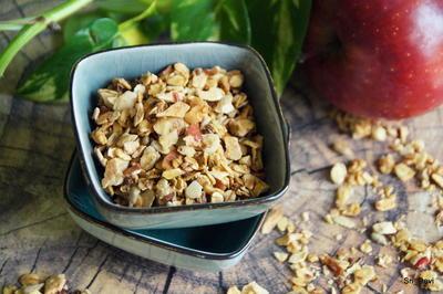 Rezept: Frühstück, Knuspermüsli: Apfel-Granola