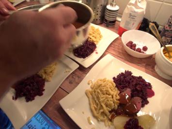 Rehrücken Baden Baden mit Rotkraut und Spätzle - Rezept - Bild Nr. 7784