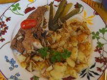Bratheringsfilet mit Bratkartoffeln und Rote-Bete-Apfel-Salat - Rezept - Bild Nr. 7787