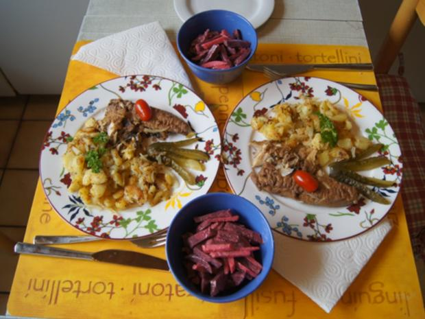 Bratheringsfilet mit Bratkartoffeln und Rote-Bete-Apfel-Salat - Rezept - Bild Nr. 7795