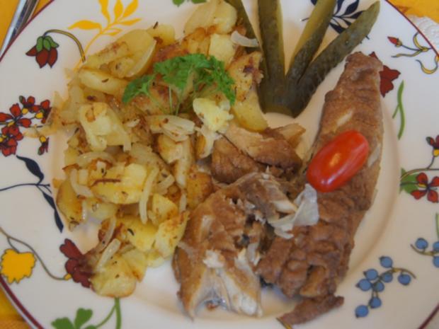 Bratheringsfilet mit Bratkartoffeln und Rote-Bete-Apfel-Salat - Rezept - Bild Nr. 7796