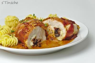 Rezept: Hähnchenroulade mit Speck/Zwiebel/Käsefüllung