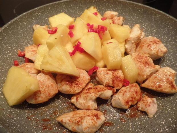 Ananashähnchen auf Quinoa-Tricolore mit Gurkensalat - Rezept - Bild Nr. 7803