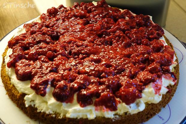 Pistazien-Himbeer-Sahne-Torte - Rezept - Bild Nr. 7855