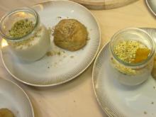 Walnussgebäck (Kalbur basti), dazu Mandelcreme mit Pistazien und Aprikosen - Rezept - Bild Nr. 2