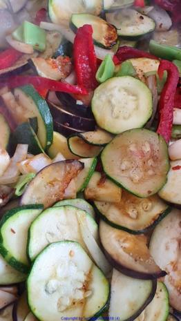 Gemüsepfanne mit viel Aroma - Rezept - Bild Nr. 7908