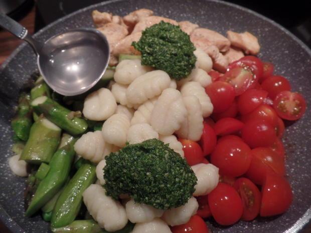 Gnocchi mit Spargel und Bärlauch -Pesto - Rezept - Bild Nr. 7929