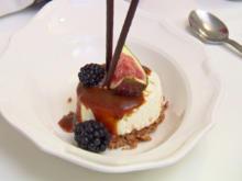 Minicheesecakes mit Salzkaramell, dazu Beeren und Feigen - Rezept - Bild Nr. 7978