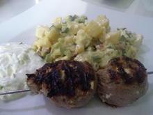 Lamm-Spieße mit Kartoffel-Gurken-Feta-Salat - Rezept - Bild Nr. 8007