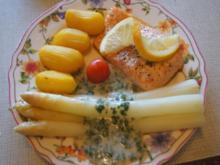 Norwegisches Lachsfilet mit Spargel, Petersiliensauce und Kartoffeln - Rezept - Bild Nr. 8037