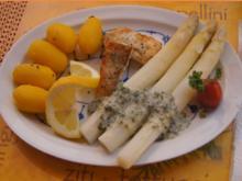 Zanderfilet mit Spargel, Petersiliensauce und Drillingen - Rezept - Bild Nr. 3