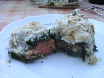 Rezept: Lachs mit Selleriepüree und Käsehaube