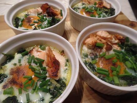 Gebackene Eier mit Spinat und Lachs - Rezept - Bild Nr. 8070