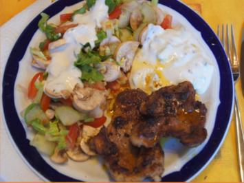 Schweinenackensteak mit gemischten Salat - Rezept - Bild Nr. 8069