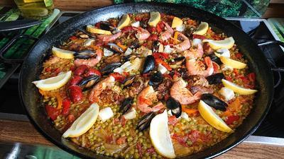 Paella mit Hähnchen, Fisch, Muscheln, Gambas & Chorizo - Rezept - Bild Nr. 8079