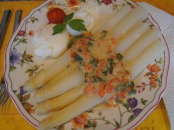 Spargel mit pochierten Eiern und herzhafter Sauce - Rezept - Bild Nr. 8105