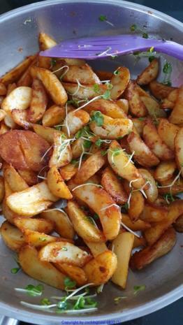 """Herzhafte Kartoffelspalten oder Scheiben """"Wedges"""" - Rezept - Bild Nr. 8108"""