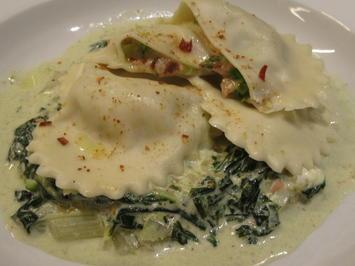 Pasta: Nudelherzen mit Spargelfüllung auf chremigem Mangold - Rezept - Bild Nr. 8105