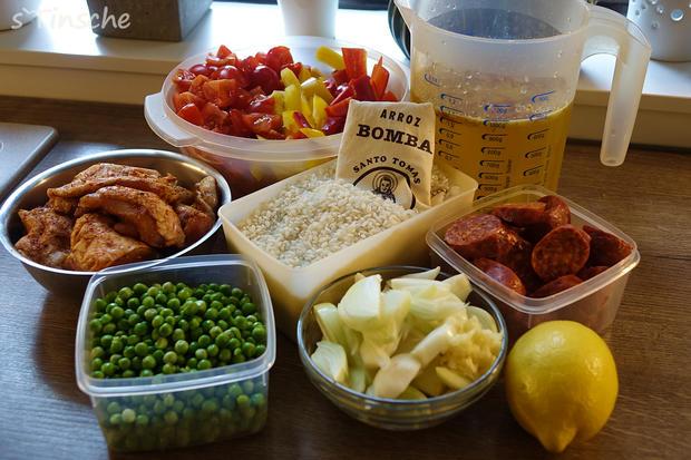 Paella mit Hähnchen & Chorizo (Es handelt sich hier natürlich nicht um das Original) - Rezept - Bild Nr. 8109