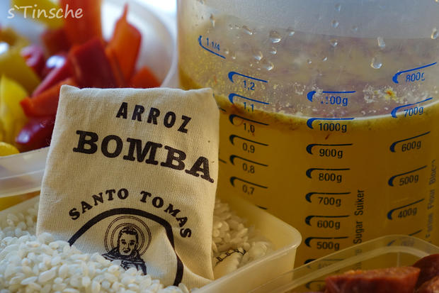 Paella mit Hähnchen & Chorizo (Es handelt sich hier natürlich nicht um das Original) - Rezept - Bild Nr. 8111