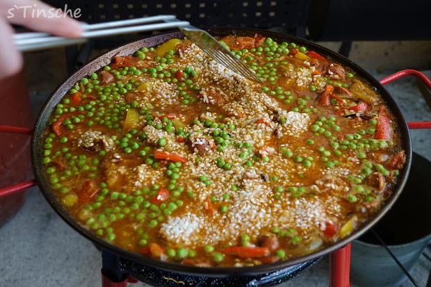 Paella mit Hähnchen & Chorizo (Es handelt sich hier natürlich nicht um das Original) - Rezept - Bild Nr. 8114