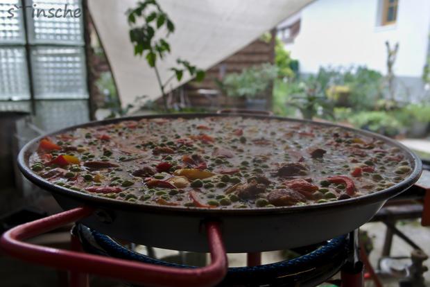 Paella mit Hähnchen & Chorizo (Es handelt sich hier natürlich nicht um das Original) - Rezept - Bild Nr. 8118