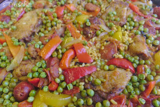Paella mit Hähnchen & Chorizo (Es handelt sich hier natürlich nicht um das Original) - Rezept - Bild Nr. 8123