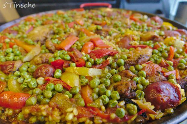 Paella mit Hähnchen & Chorizo (Es handelt sich hier natürlich nicht um das Original) - Rezept - Bild Nr. 8124