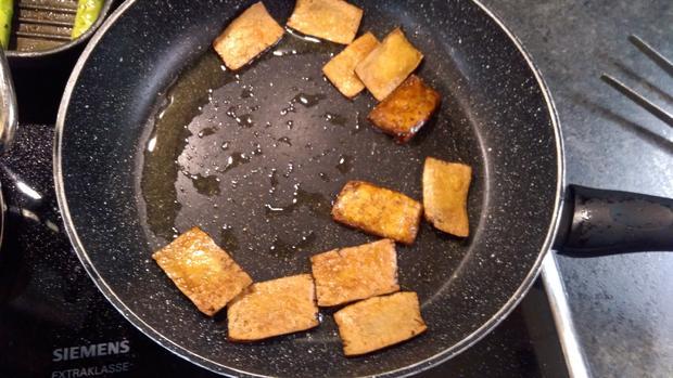 Venere Risotto mit grünem Spargel und Tofu-Chips  - Rezept - Bild Nr. 8108
