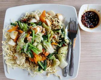 Rezept: Kantonesisches Tami Goreng Cap Cay Seafood ala Taman Griya