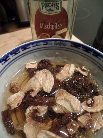 Kokos-Spargelcremesuppe mit Mischpilzen und Ingwer-Hähnchen - Rezept - Bild Nr. 8146