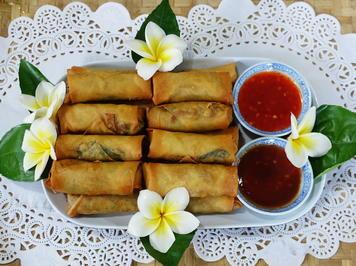 Knusprige, thailändische Frühlingsrollen mit 2 Dippsaucen - Rezept - Bild Nr. 8141