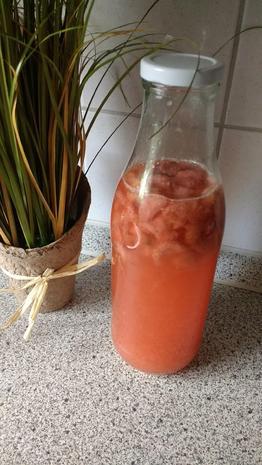 Fruchtiger Erdbeer - Balsamessig - Rezept - Bild Nr. 8171