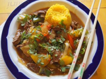 Schweinefilet mit Austernsauce und Gemüse im Wok und gelber Basmatireis - Rezept - Bild Nr. 8142